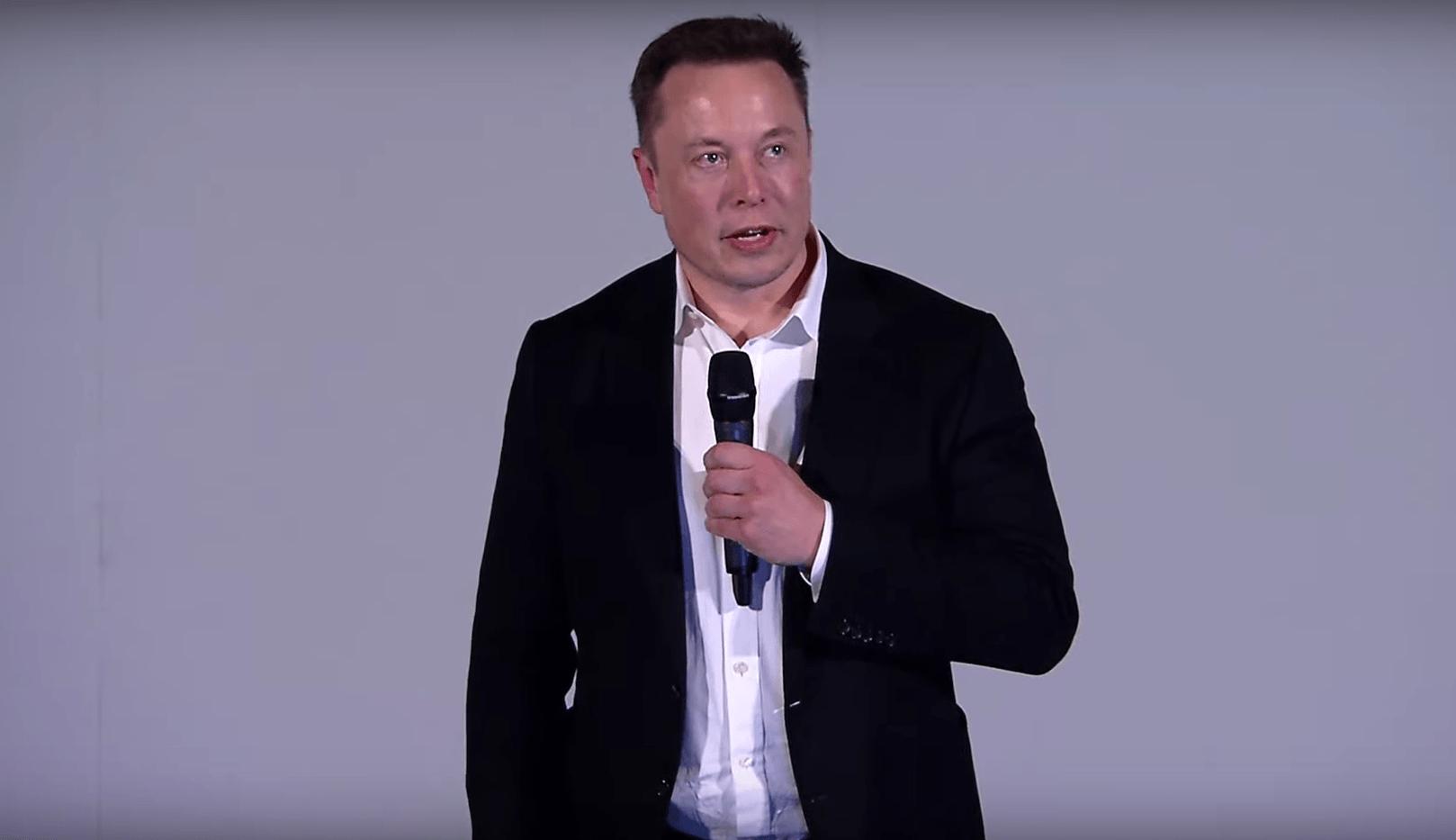 Après avoir accusé un sauveteur d'être « pédophile », place à la défense ridicule d'Elon Musk