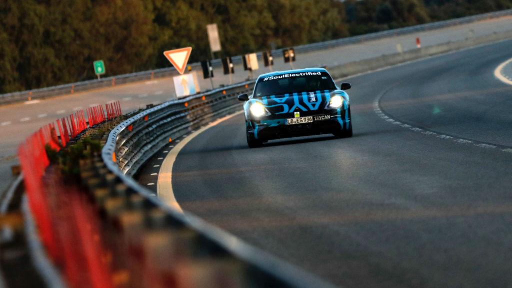 Porsche Taycan test Nardo