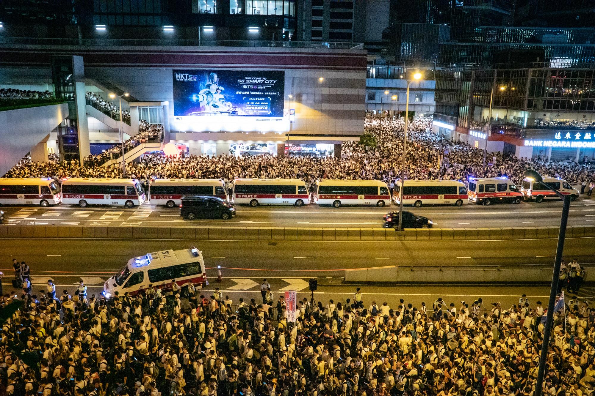 Twitter et Facebook déjouent une campagne de propagande chinoise pour discréditer Hong Kong