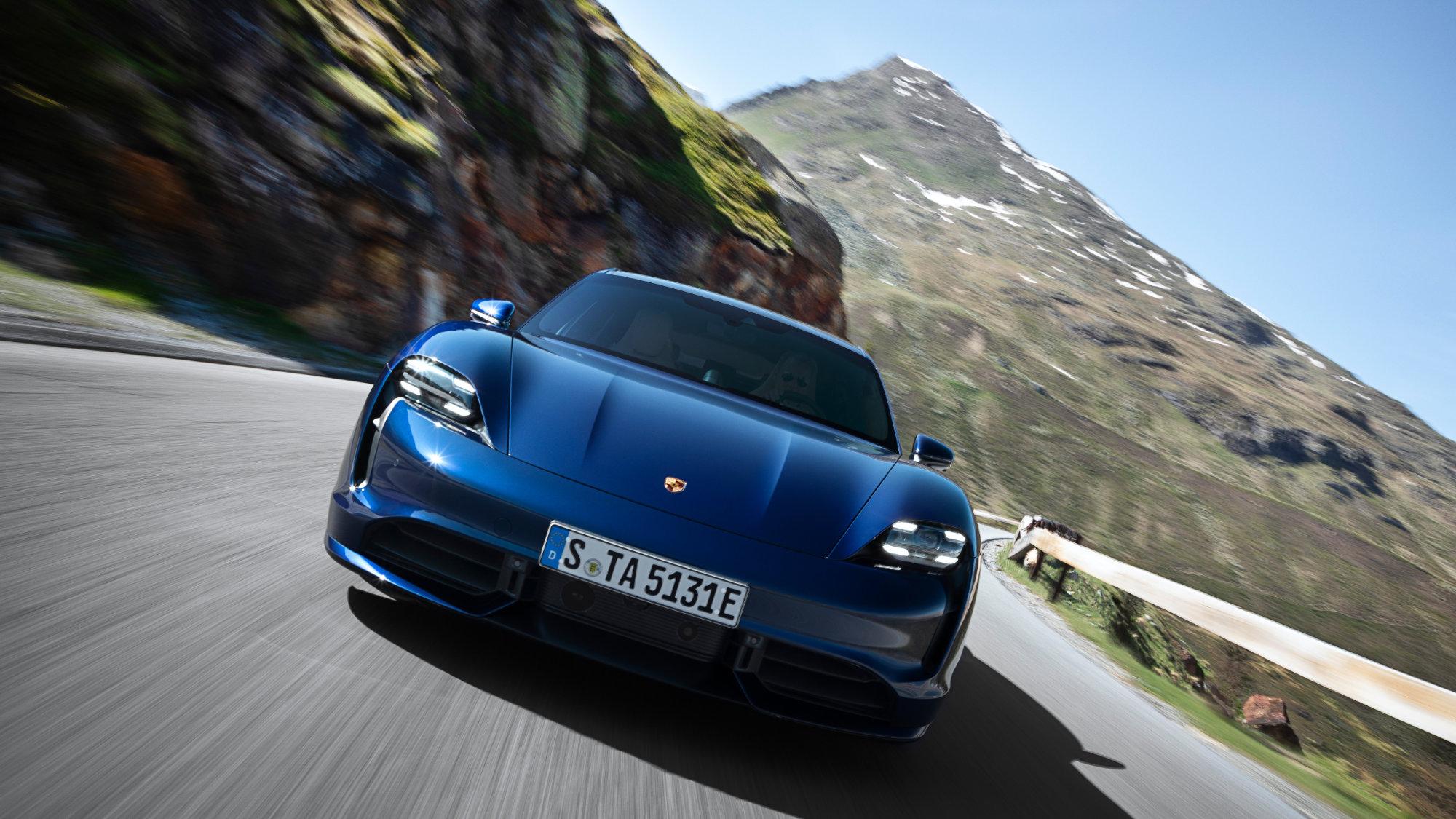 La Porsche Taycan électrique serait retardée de plusieurs semaines