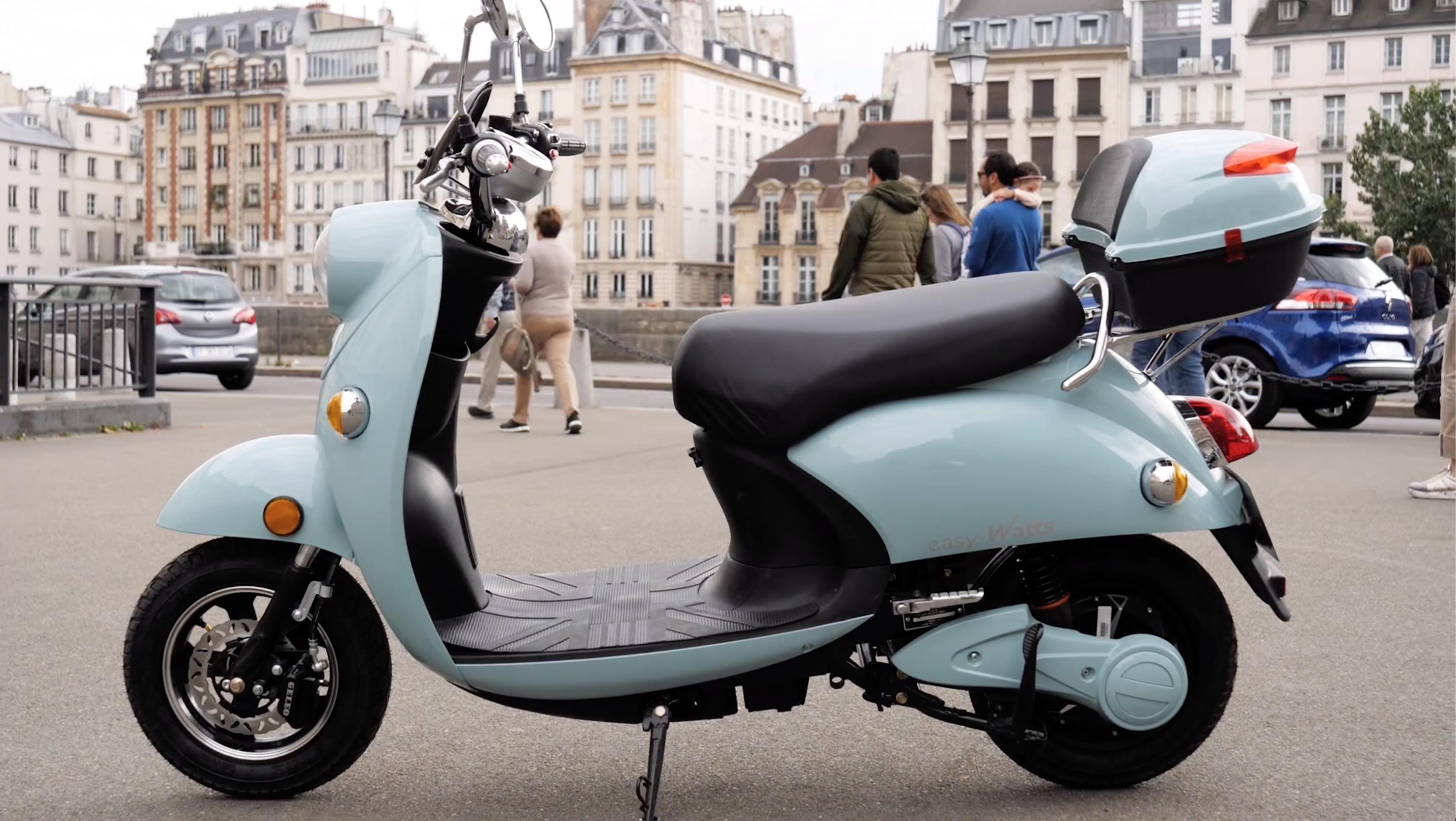Test du Emma : que vaut le scooter électrique le moins cher du marché ?