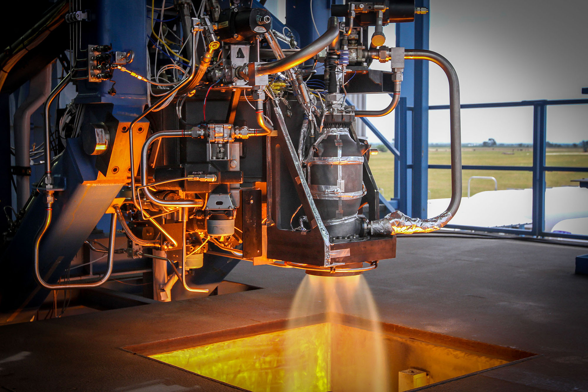 Vols habités : pourquoi SpaceX a fait plus de 700 tests de ses moteurs d'urgence SuperDraco