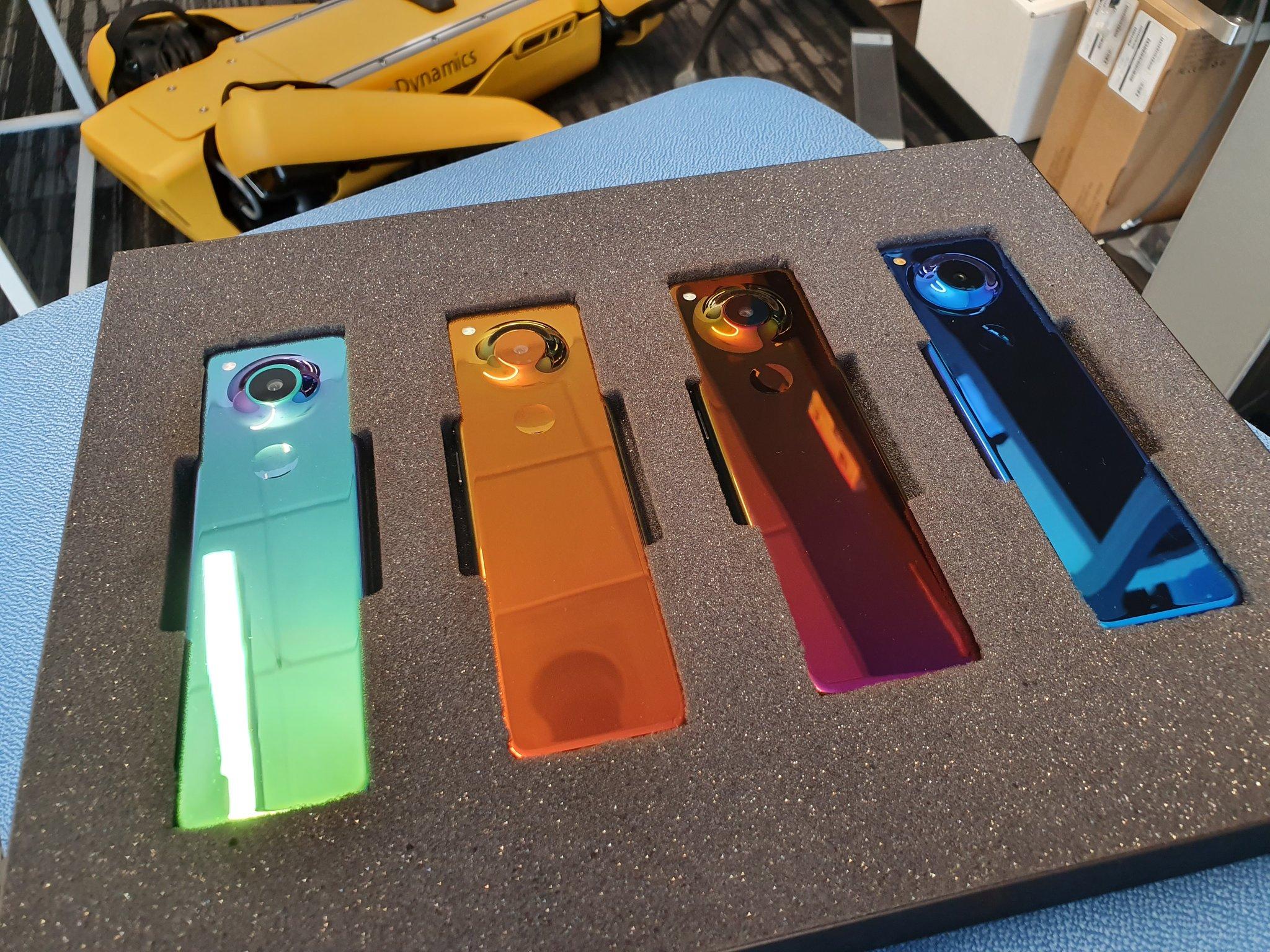 Essential dévoile un smartphone étrange qui ne tiendra pas dans votre poche