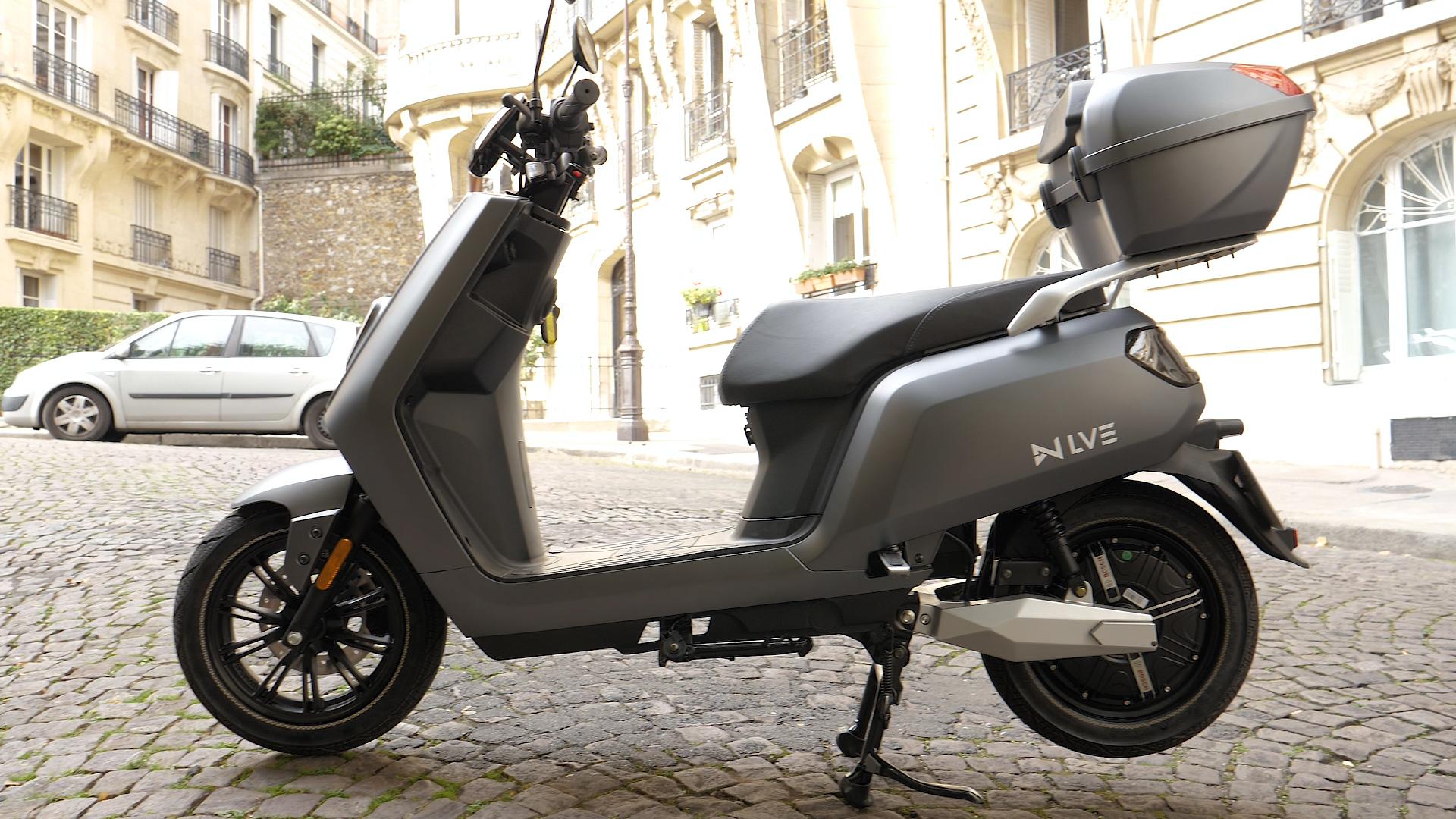 Test du scooter électrique LVE S5 : l'autonomie vaut-elle le coût ?
