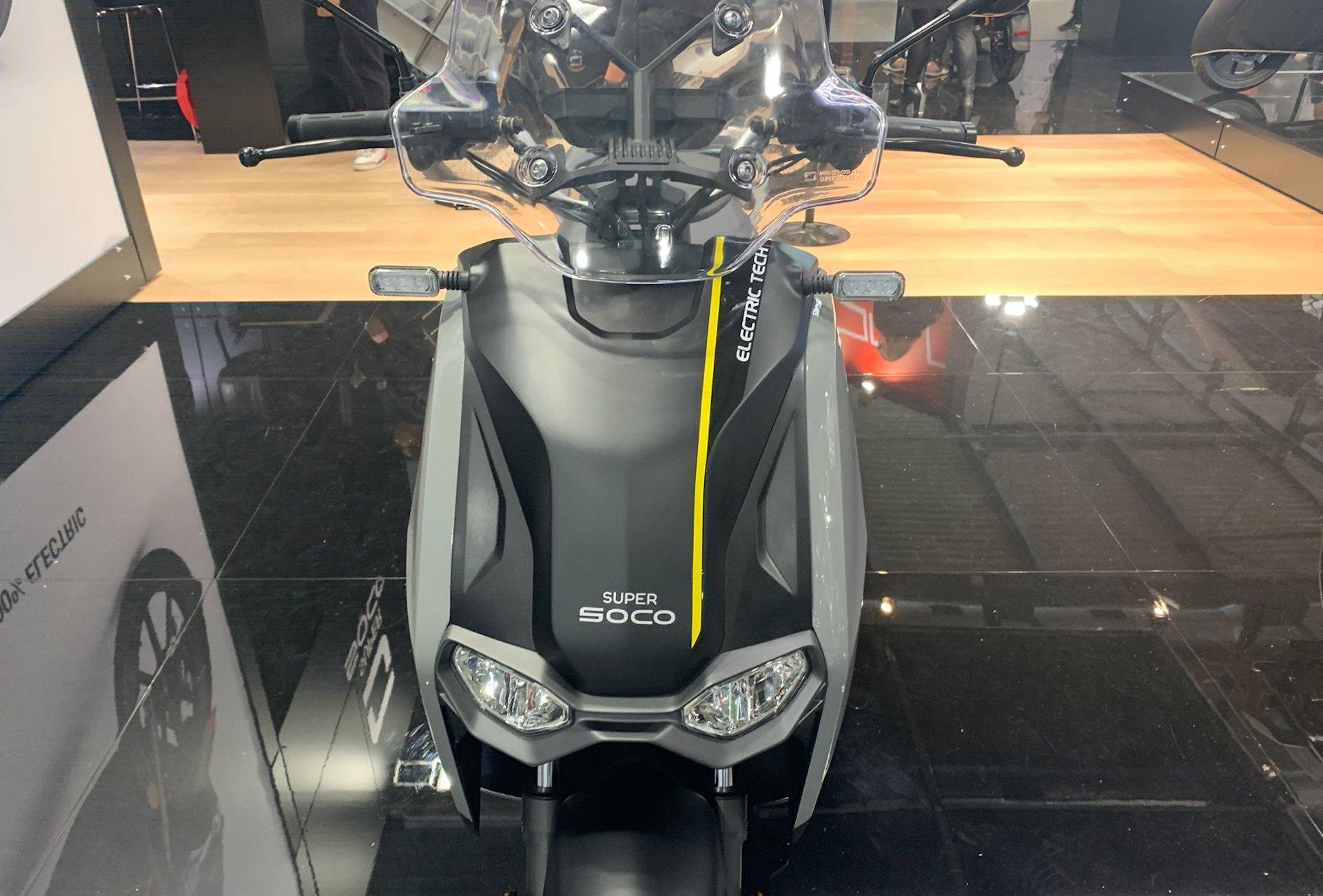 Super Soco présente le CPx, un nouveau scooter électrique plus gros et plus rapide