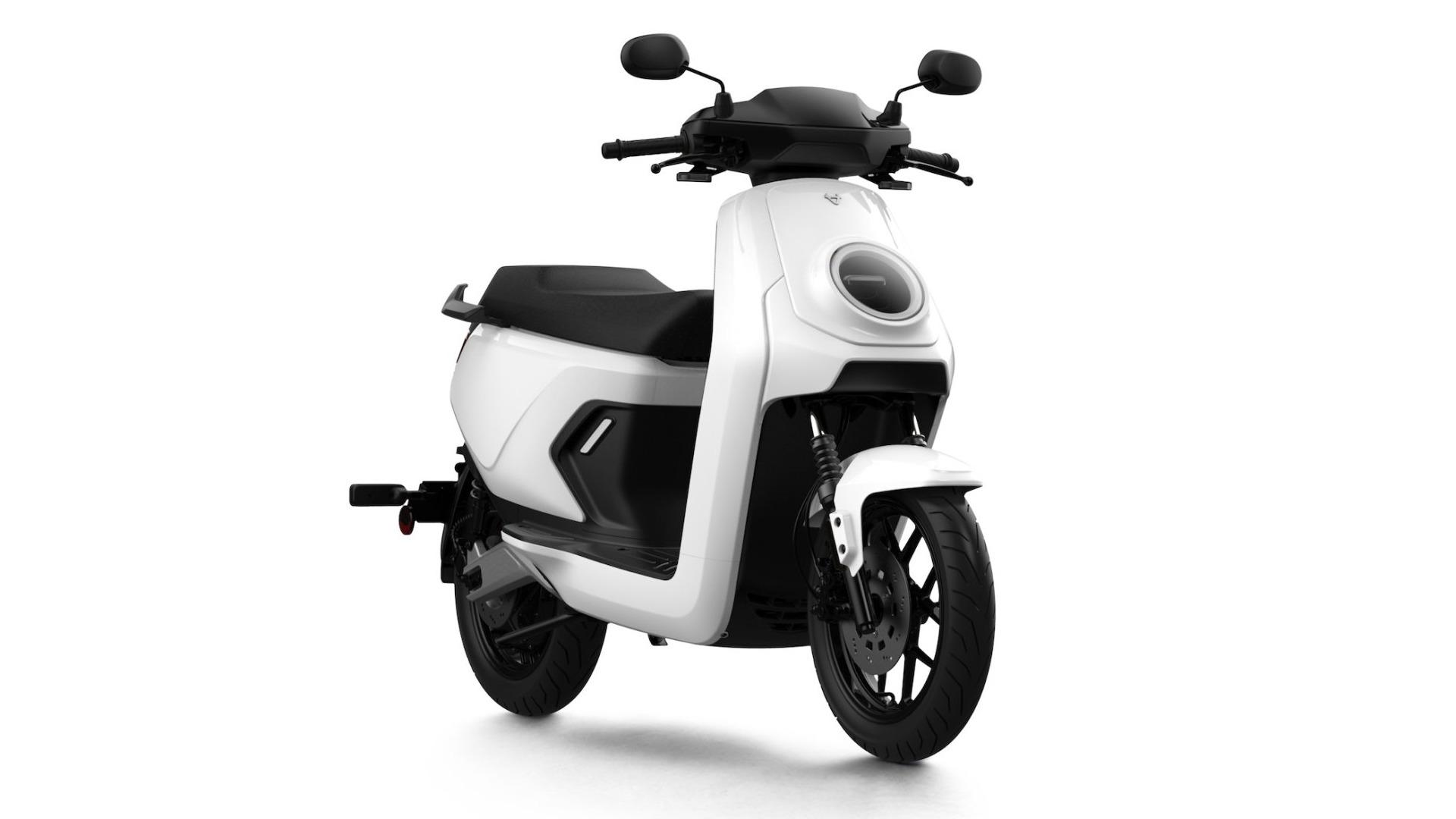 Niu sort un nouveau scooter électrique rapide, plus robuste et plus « conventionnel »
