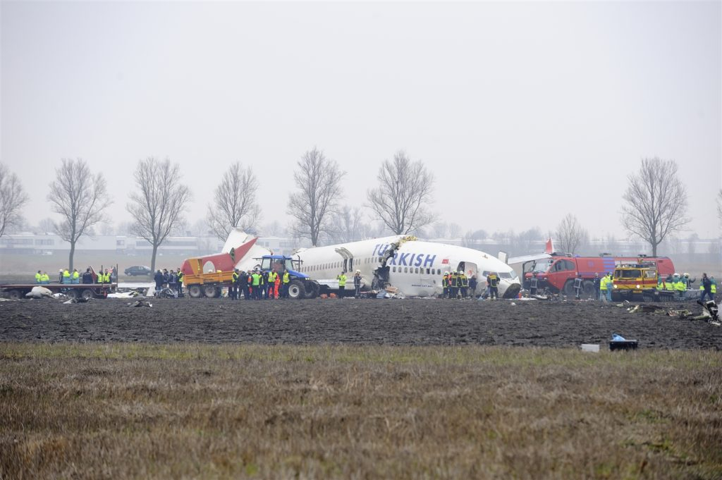 Boeing 737 avion crash accident