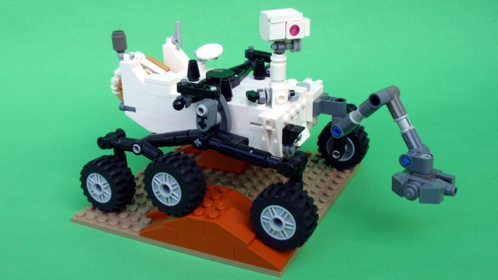 [Curiosity/MSL] L'exploration du cratère Gale (3/3) - Page 3 Curiosity-rover-lego-mars-espace-maquette-1024x576