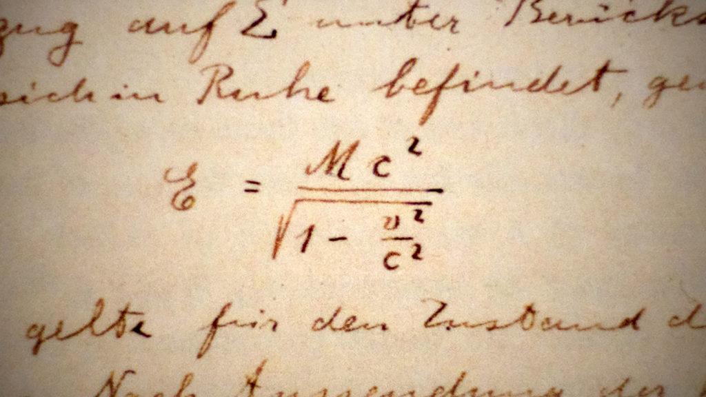 équation einstein