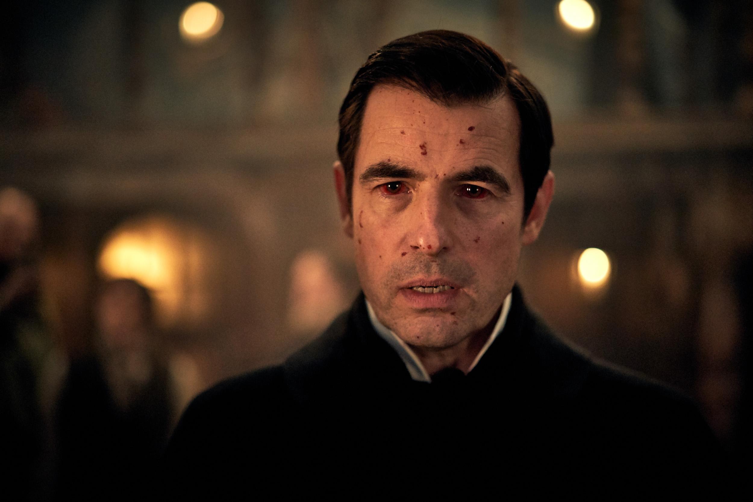 Dracula sur Netflix : les créateurs de Sherlock se ratent par excès de morbide