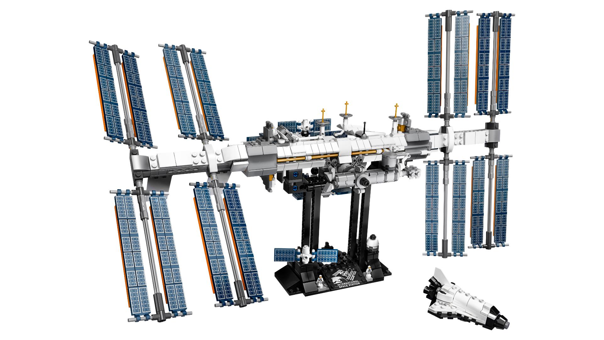 L'ISS en Lego ! Station-spatiale-internationale-lego-iss