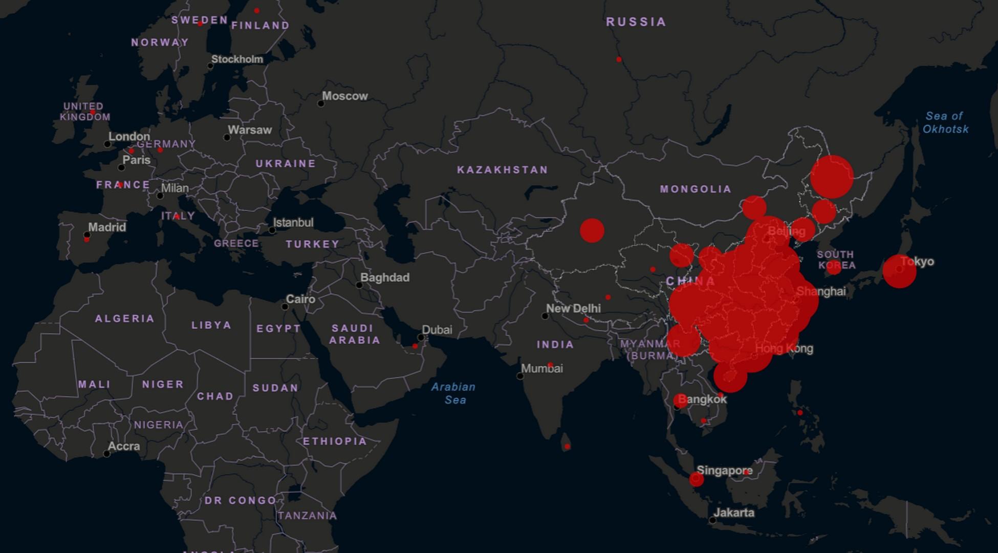 Coronavirus, Chine change de méthode de diagnostic: 242 victimes en 24 heures. L'Italien de 17 ans coincé à Wuhan revient samedi