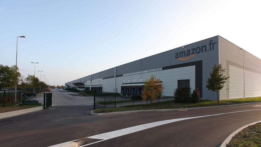 Amazon Centre logistique entrepôt