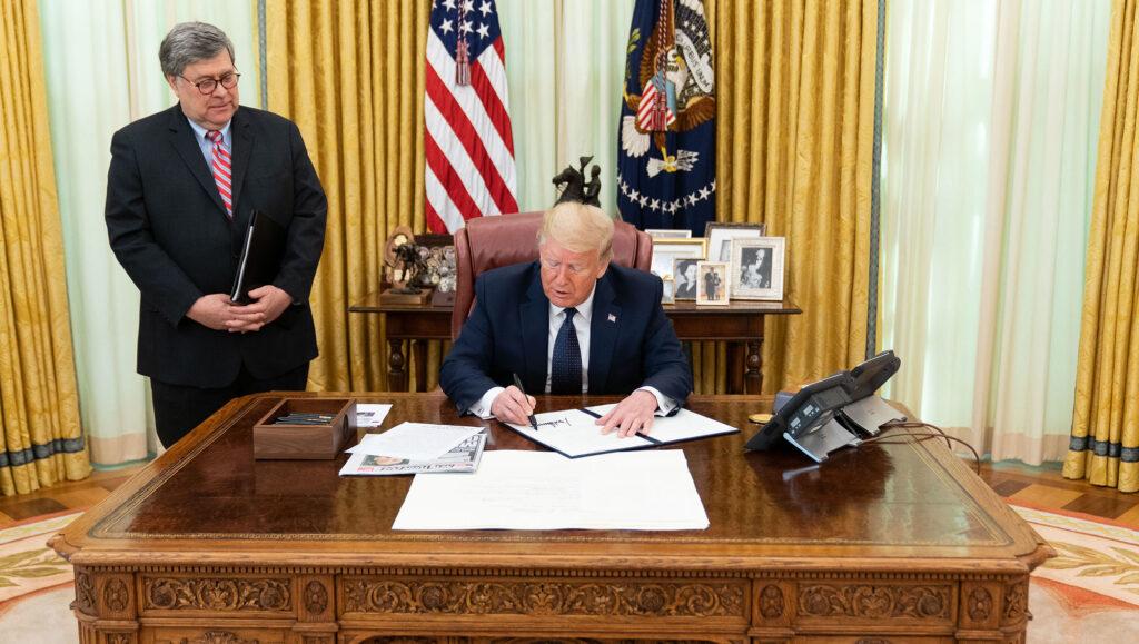 Donald Trump décret Twitter