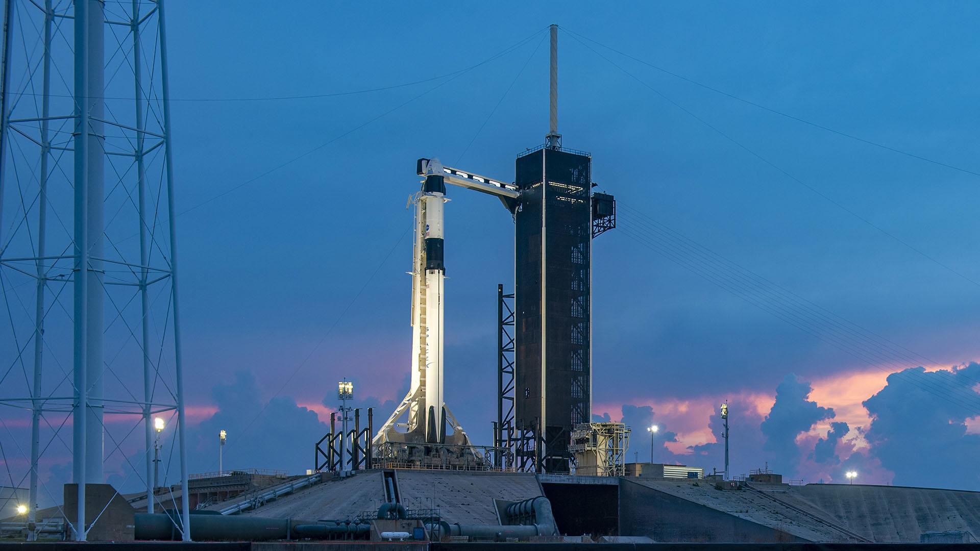 Pourquoi SpaceX a dû reporter son lancement historique