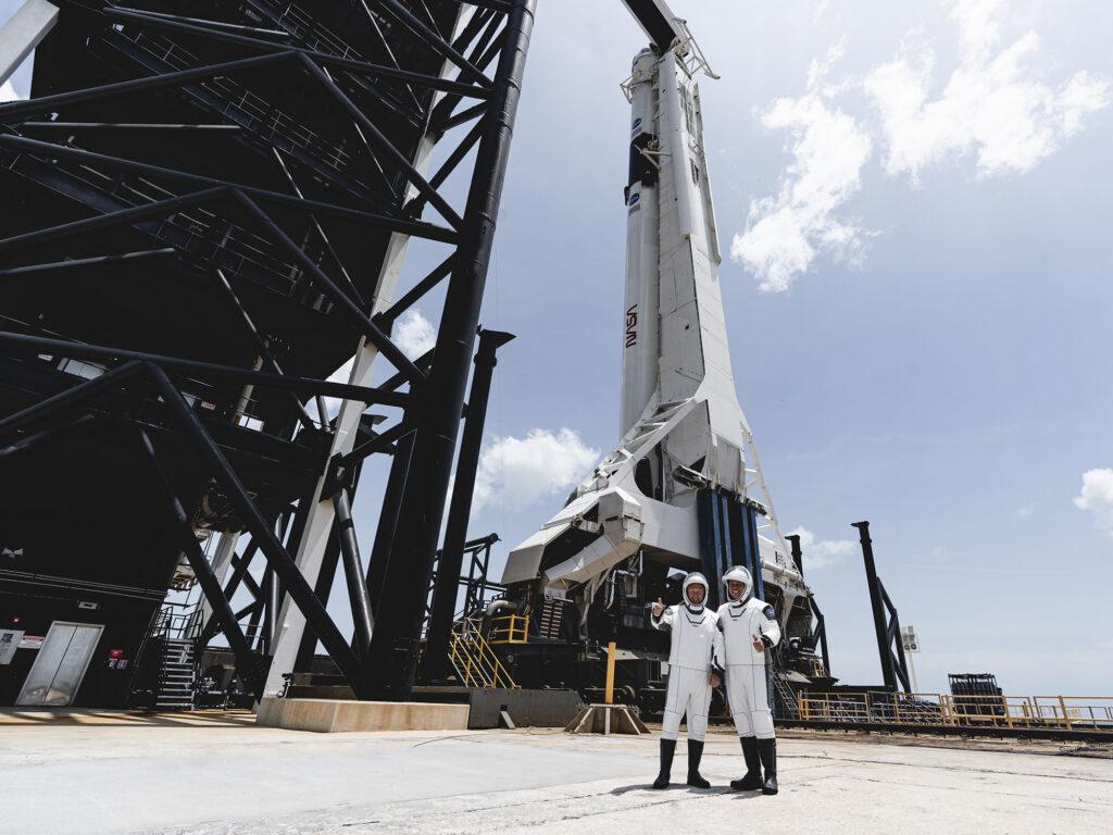 SpaceX Robert Behnken et Douglas Hurley Falcon 9