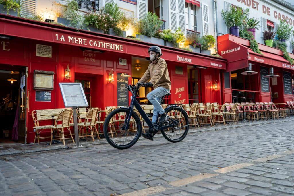 Lundi 27 : Moustache réinvente son iconique vélo de ville électrique