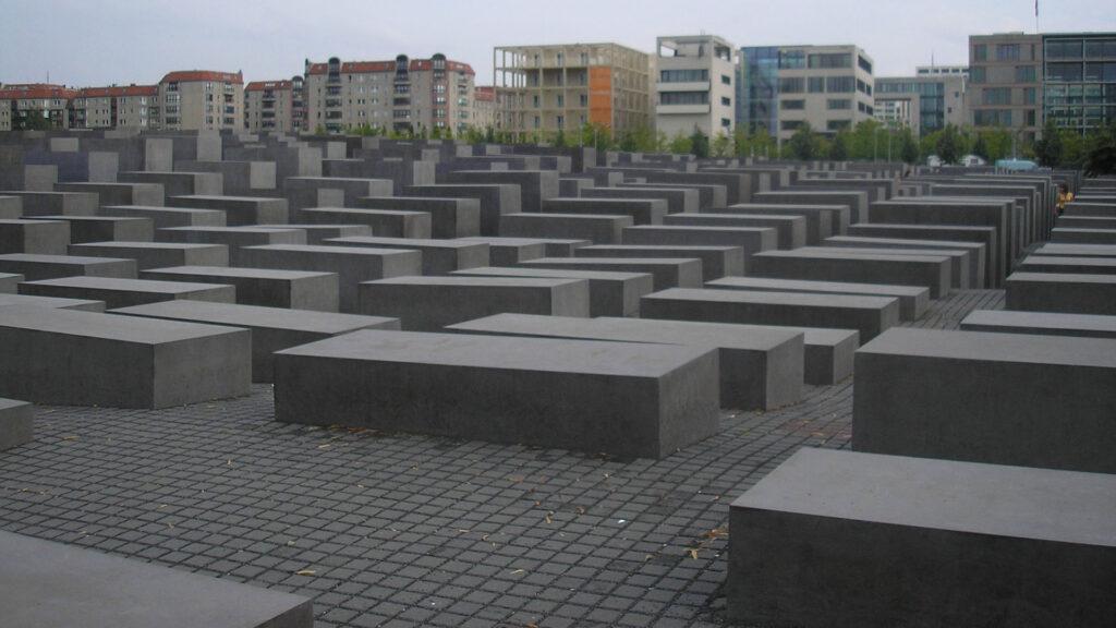 Mémorial aux Juifs assassinés d'Europe, ouvert au cœur de Berlin en 2005.