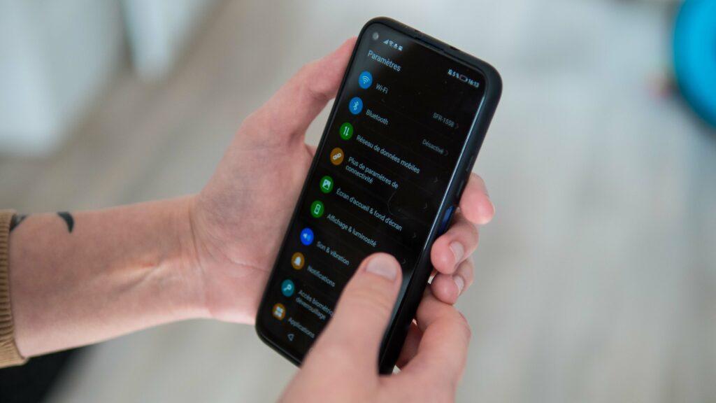 smartphone 5 1024x576 - comment activer le mode invité pour ne plus stresser en prêtant son smartphone