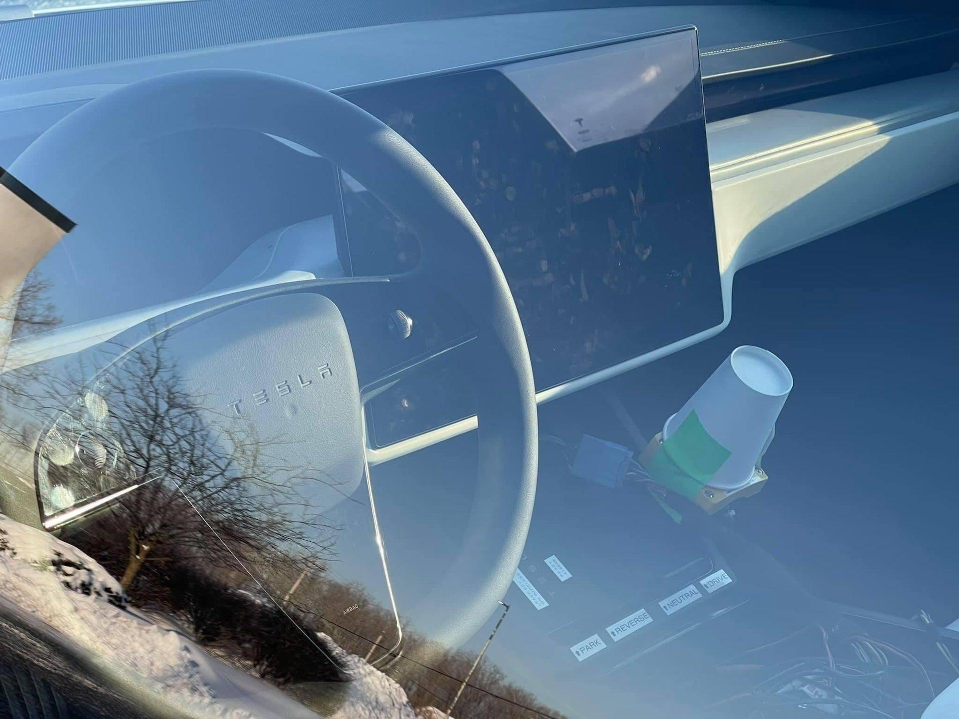 Voici à quoi ressemble la nouvelle Model S avec un volant « classique » - Numerama