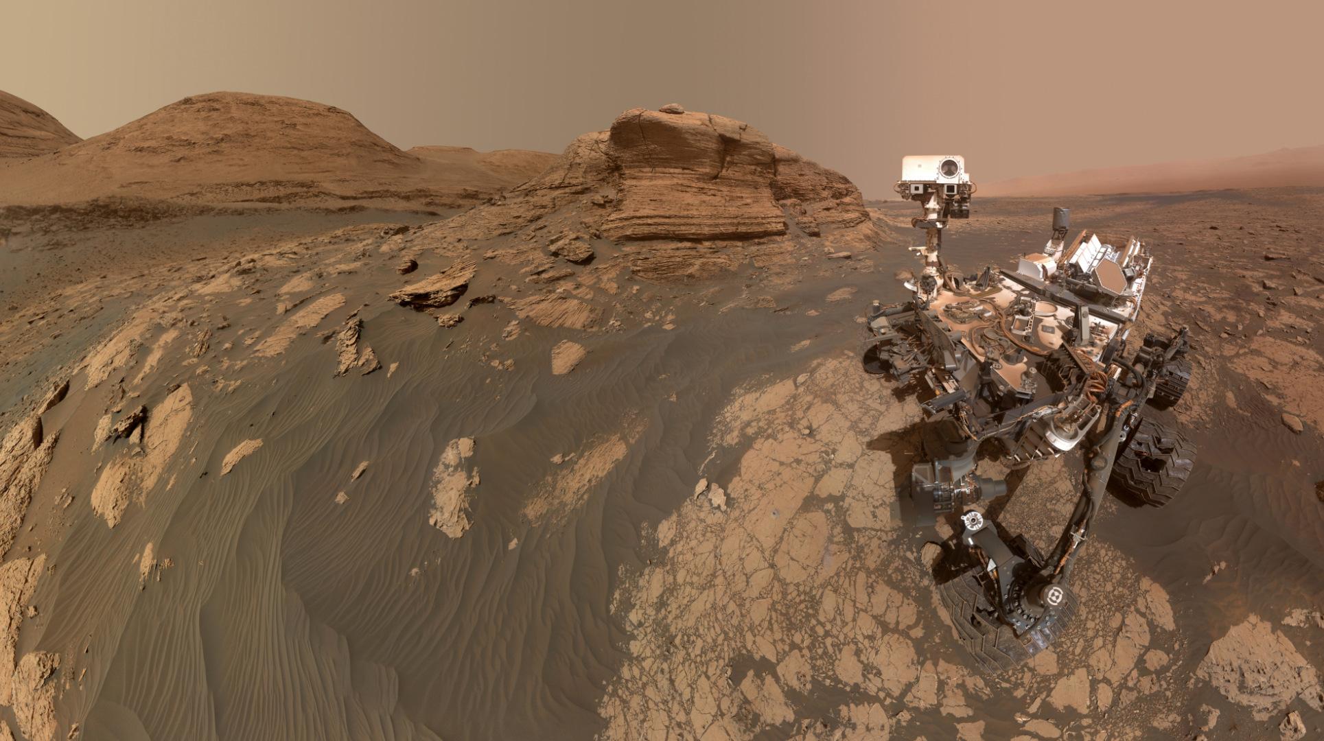 mont-mercou-curiosity-selfie.jpg