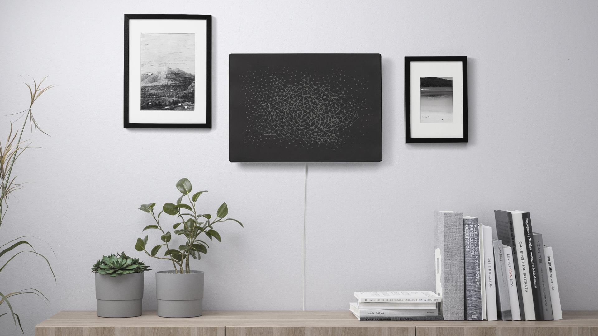 Ikea dévoile un tableau-enceinte connecté (avec un câble d'alimentation très voyant)