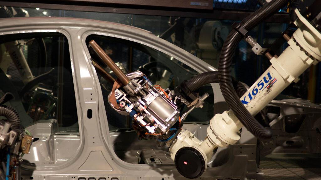 bras robotique industrie automobile