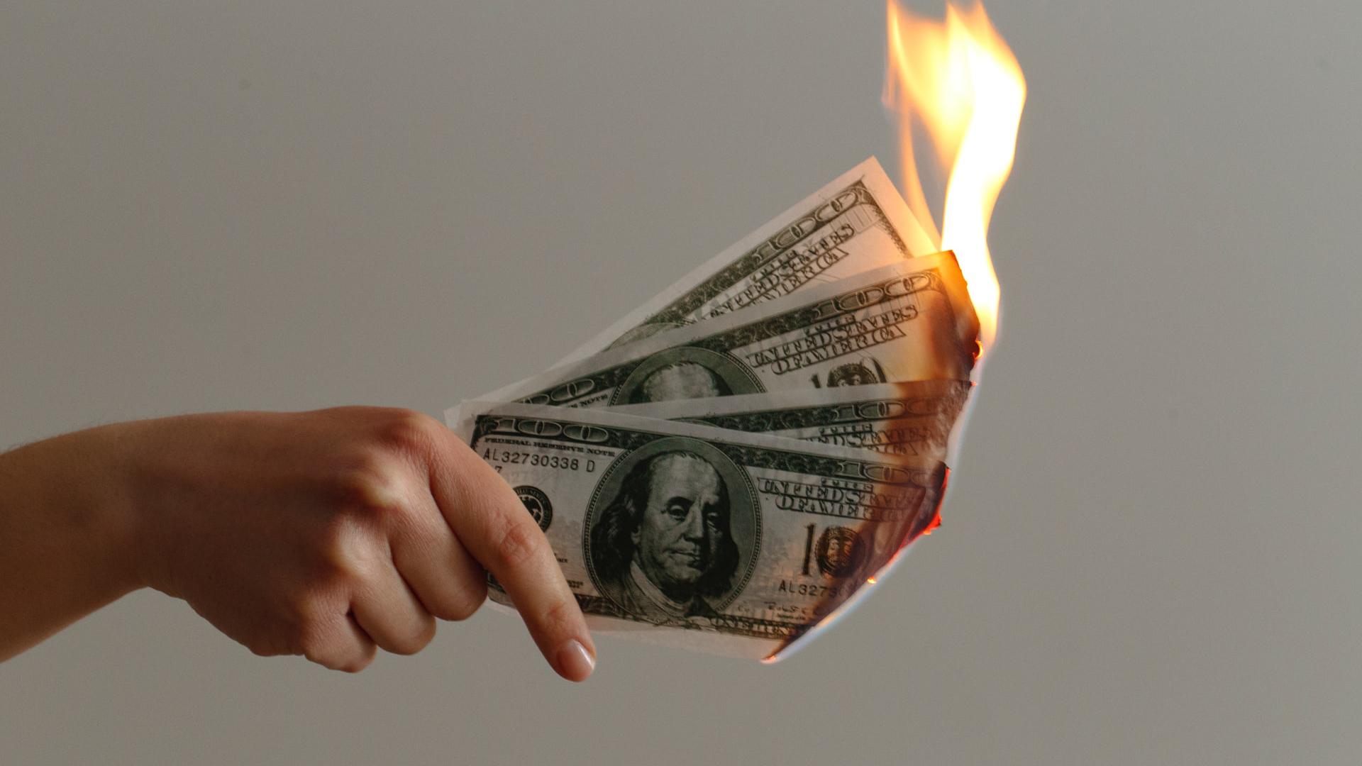 Coin burn : pourquoi les mineurs détruisent-ils de la cryptomonnaie ?