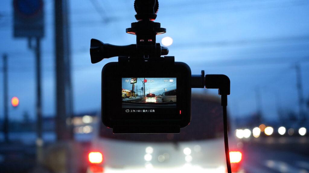 Vers l'exclusion de la reconnaissance faciale pour les caméras embarquées de la police ?