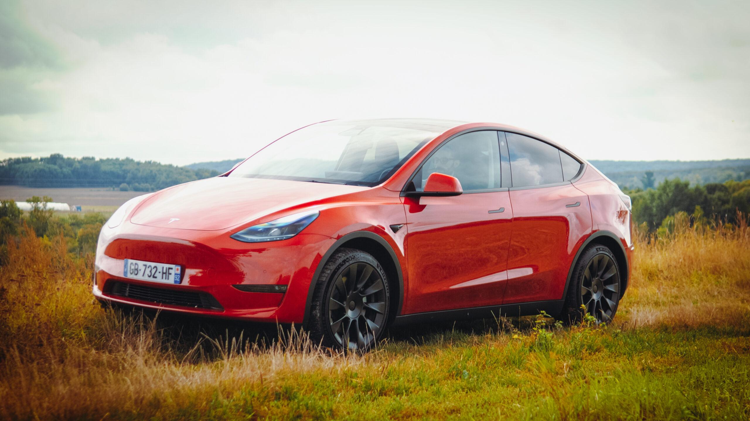 On a essayé le Tesla Model Y : c'est notre nouvelle voiture Tesla préférée