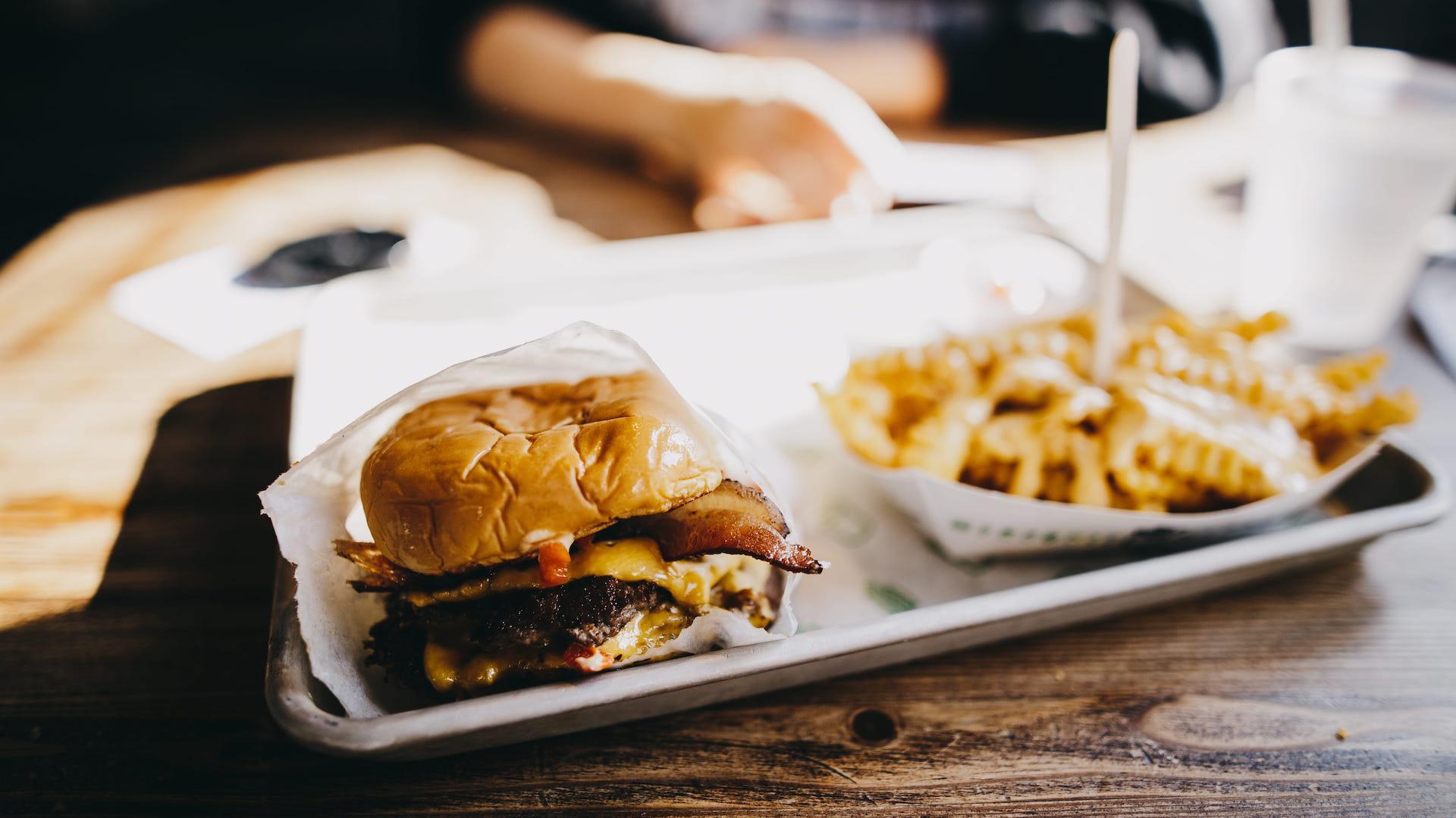 Un groupe de hackers joue sur l'envie de fast food pour pirater le gouvernement américain