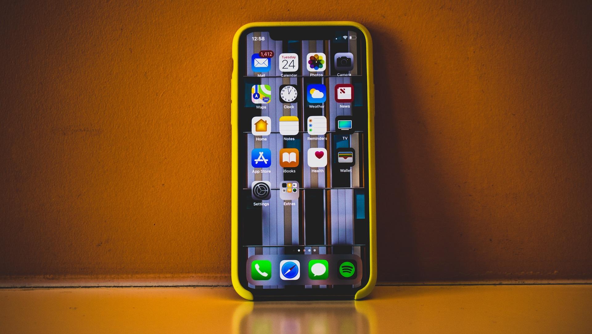 Pourquoi Apple sort des iPhone destinés à être hackés